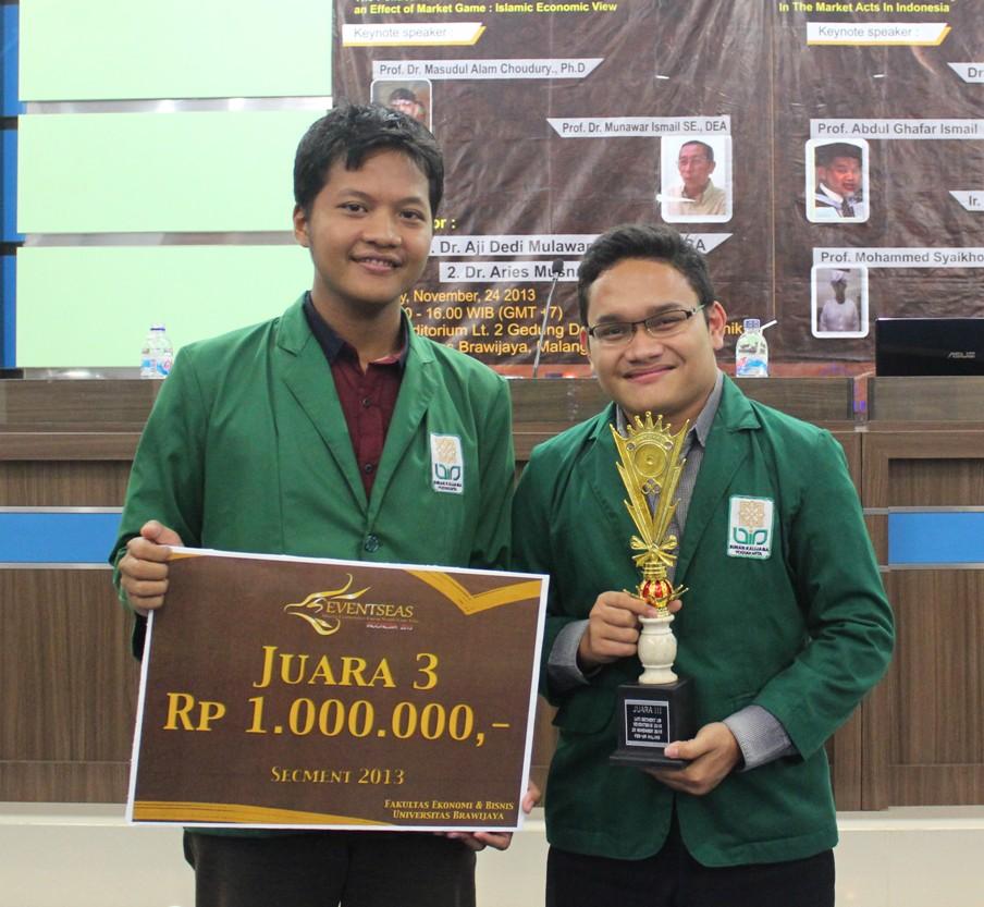 Mahasiswa UIN Suka Raih Juara 3 Dalam Karya Tulis Ilmiah Ekonomi Islam